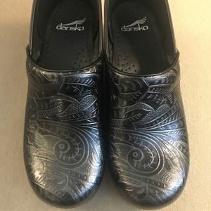 NWT Dansko Black Clogs